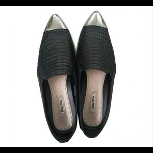 MIU MIU Metal Toe Leather Slip-On Shoes(authentic)